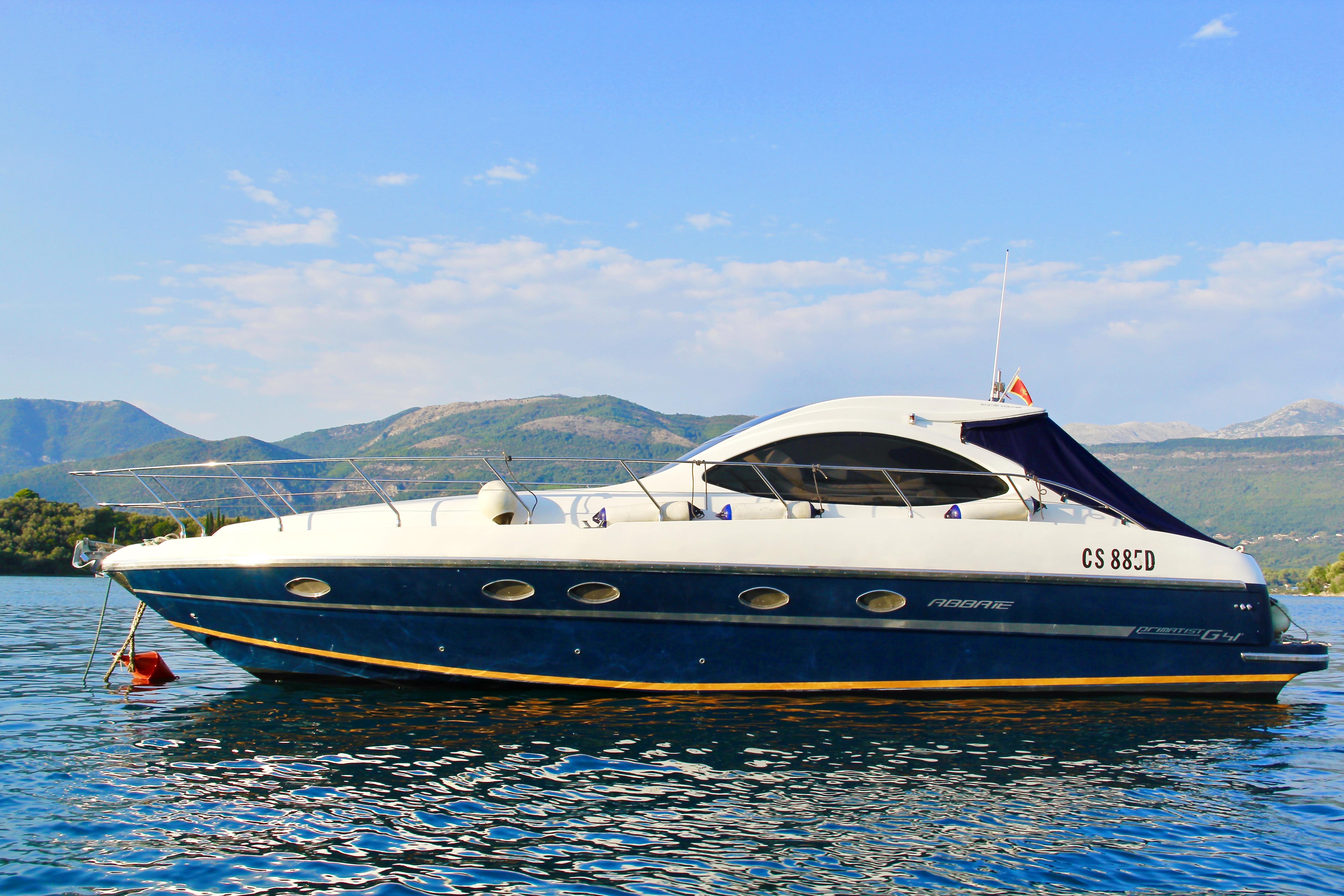 Моторная яхта Bruno Abbate 42